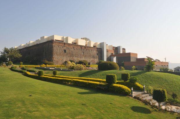 the lawns at jadhavgadh