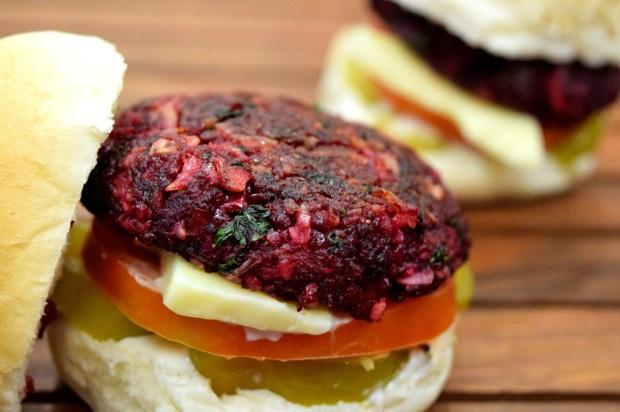 Beet burger, burger, Mumbai, food, OOTB, Reshma Sanghi