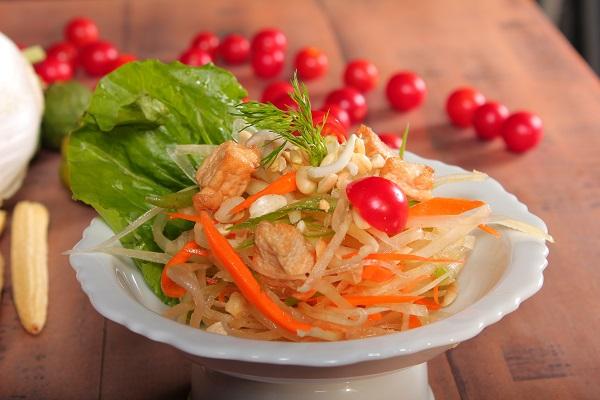 Som Tam, salad, fresh, Thai food, restaurant, Bandra, Mumbai, Thailand