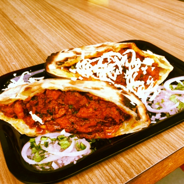 naan pocket, chicken, butter chicken, fast food, Go Biryan, food on the go, Andheri, Bandra