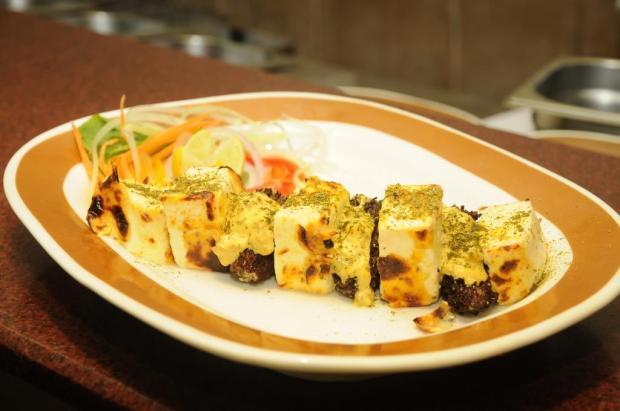 kabab, Indian food, best Indian restaurant, Mumbai, ITC Hotel, chef