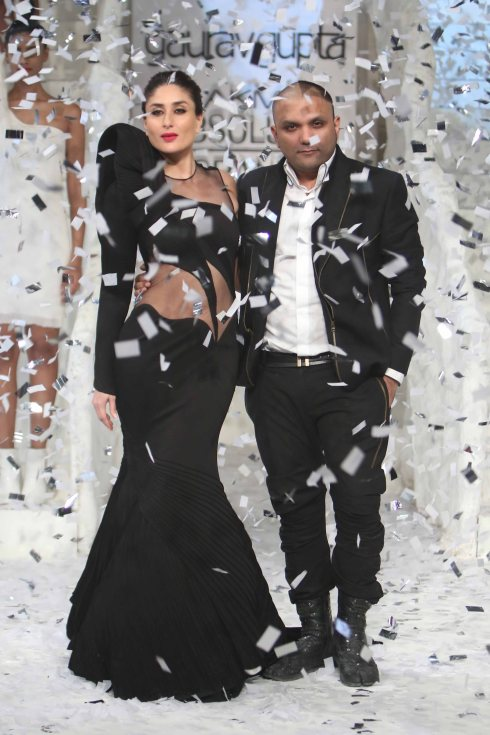 Kareena Kapoor, Khan, Lakme, fashion show, grand finale, couture, Gaurav Gupta
