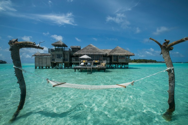 glm_crusoe-residence-exterior-with-hammock